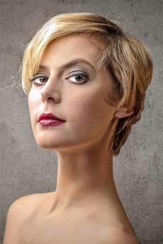 frisuren blond kurz damen bilder sch 246 ne haare mit str 228 hnen kurze haare