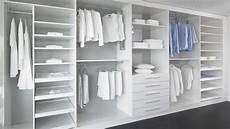 schlafzimmer ideen mit ankleide begehbarer kleiderschrank mit schiebet 252 ren ankleide
