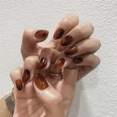 minimalistiske negle inspiration on instagram akina vi2 i 2020