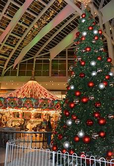 Galleria Tree Lighting 2018 Families Gather For 2016 Riverchase Galleria Tree Lighting