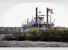Southern Empress stuck on sandbar in Lake Conroe after