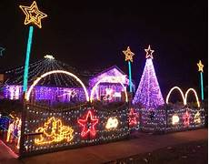 Christmas Lights That Go Along With Music Christmas Lights Synchronized To We Will Rock You