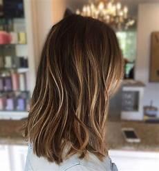 frisuren dickes haar mittellang 10 everyday medium hairstyles for thick hair 2019 easy