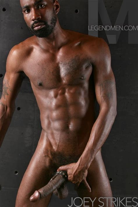 Naked Male Bodybuilding