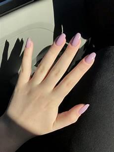 minimalistiske negle pin af jeanette falck p 229 nails lilla negle neglekunst