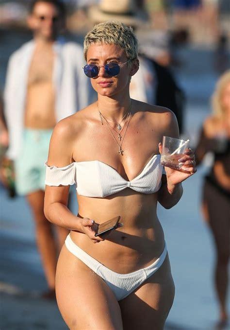 Balmoral Beach Topless
