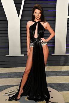kendall jenner s vanity fair oscars afterparty dress