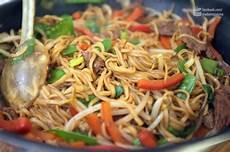 asiatische rezept gebratene nudeln mit rind asiatisch madame cuisine