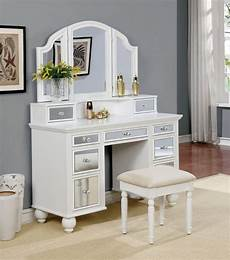 Bedroom Vanity Furniture Furniture Of America Tracy White Vanity With Stool The