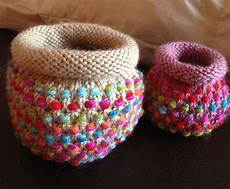 free knitting pattern for dotty pots colorful baskets