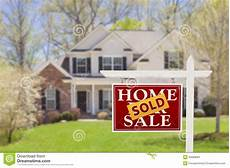 How To Sale Real Estate Sold Home For Sale Real Estate Sign And House Stock Photos