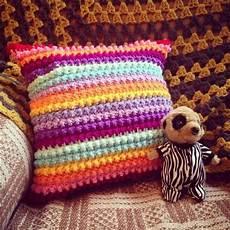 20 easy to make crochet pillow ideas diy to make