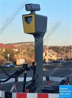 What Do Red Light Cameras Look Like Uk Redflex Red And Redflex Speed Cameras Explained And How