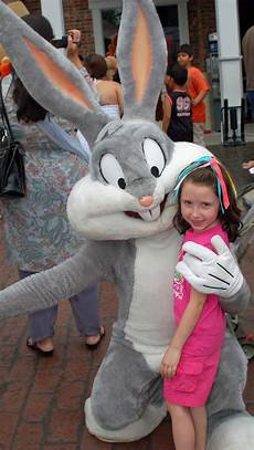 Six Flags Characters Six Flags New England Parking And Travel Tips