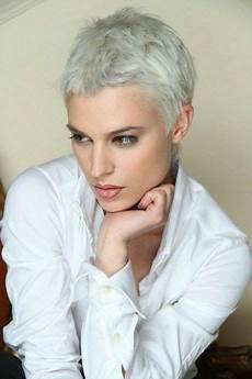 frauen frisuren extrem kurz frisuren sehr kurz damen frisuren ganz kurze haare