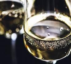 bicchieri spumante due bicchieri scaricare foto gratis
