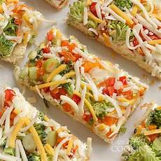 appetizer veggie pizza crescent dough crust cheese