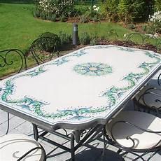 tavoli da giardino in pietra lavica tavoli da giardino in pietra lavica decorati a mano artesole