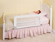 awesome and safe toddler bed with rails atzine