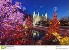 Washington Dc Christmas Lights 2017 Holiday Lights At Washington Dc Lds Mormon Temple Stock