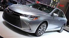 2020 toyota camry se hybrid 2020 toyota camry hybrid se specs price and review