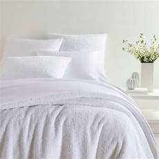 bed ed 101 10 ways to keep your white bedding white