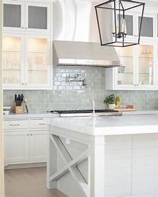 choosing kitchen backsplash design for a kitchen