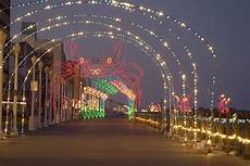 Boardwalk Lights At Virginia Beach With Fewer Crowds And Lower Prices Virginia Beach Is A