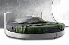 da letto con letto rotondo letto rotondo in ecopelle completo di pianale