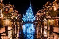 Disney World Christmas Lights Dates Top 10 Disney World Scents Disney Tourist Blog