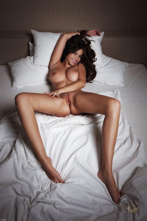 Sophia Vergara Nude