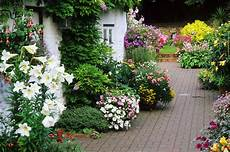 Cottage Garden Design Books 7 Flower Garden Designs You Ll Love
