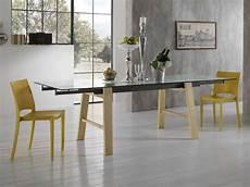 vetro tavolo tavolo allungabile in vetro con gambe in legno
