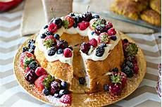 enjoiable desserts etc pretty berry birthday food cake