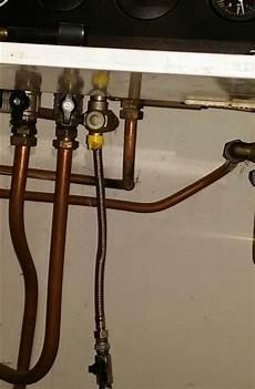 rubinetto caldaia saluti problema carico acqua