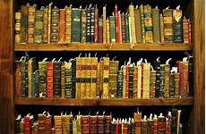 universita di pavia economia universit 224 di pavia riceve la donazione di 12mila volumi