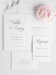 skabeloner til bryllupsinvitationer pin af majken larn p 229 bryllup i hvid tema farve
