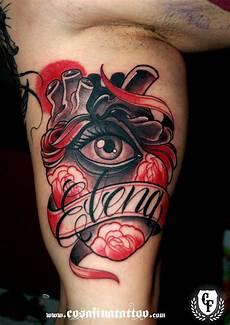 tatuaje masculinos tatuaje corazon anatomico ojo rosas pergamino