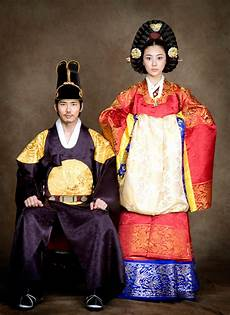 how traditional wedding outfits in different asian