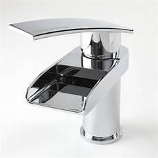 rubinetto a cascata rubinetto miscelatore a cascata monocomando per lavabo rhyme