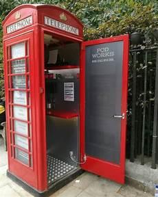 una cabina telefonica cabina telef 243 nica de londres transformada en una oficina