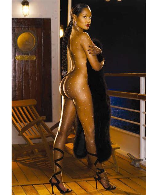 Naked Tribe Women