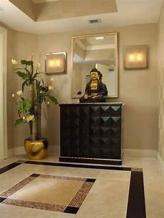 With Designs On Them Decorate With Buddha Statues And Representations Foyer