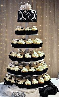 wedding cakes pictures black and white wedding cupcakes