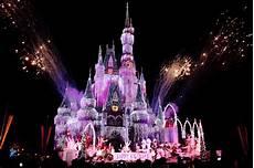 Disney World Christmas Lights Dates Least Crowded Mickey S Very Merry Christmas Party 2013