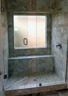 idee box doccia finestra nella doccia problemi idee soluzioni