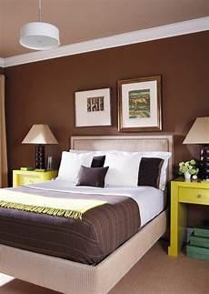 colori da letto pareti imbiancare casa idee colori pareti il marrone scuro e i