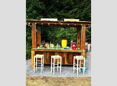 9 Gorgeous Picket Pallet Bar Ideas to Enjoy Entertaining at Home   Diy outdoor bar, Backyard bar