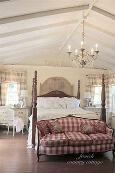 Country Cottage Bedroom Ideas Here S Your Bedroom Design Style Sheet Huffpost