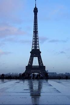 eiffel tower wallpaper for iphone free wallpapers for iphone eiffel tower